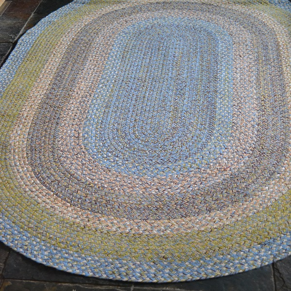 Rustic 100% Cotton, Green With Blue Oval Braided Rug